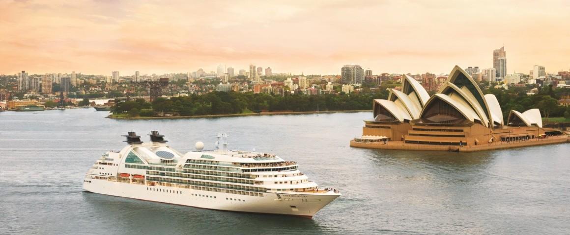 cruise-ship-harbor-odyssey-seabourn-sydney-australia-cr-seabourn