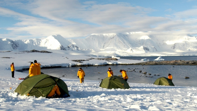 quark-camping-antarctica